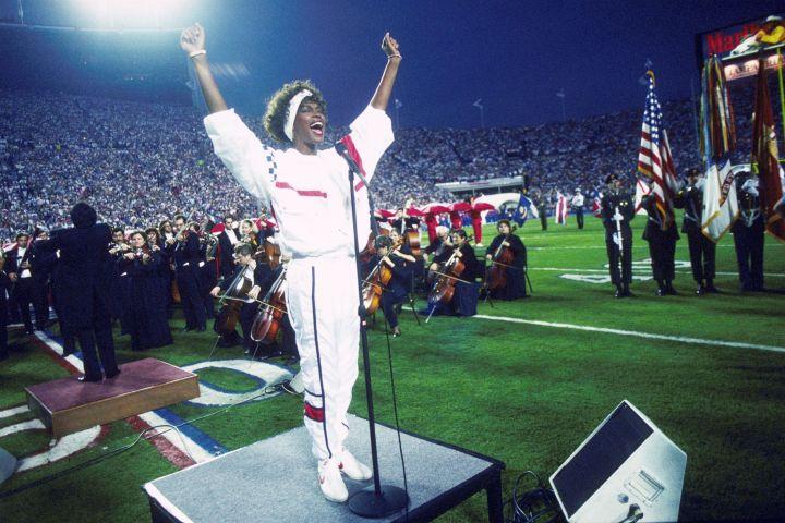 Whitney Houston – Sings National Anthem At Super Bowl XXV