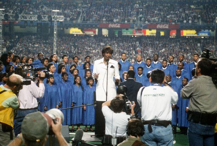 Natalie Cole – Super Bowl XXVIII – Dallas Cowboys v Buffalo Bills